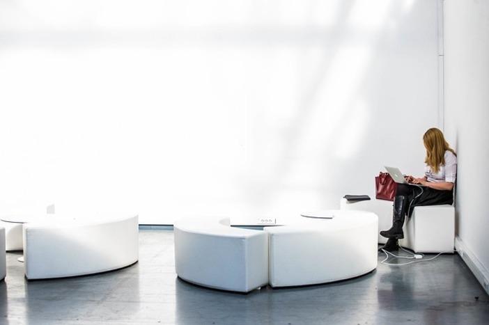 Décoration intérieure, canapé de salon, moderne