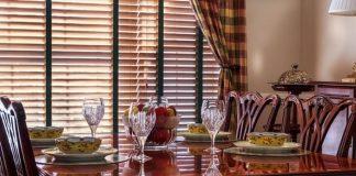 Déco intérieure, table à manger design, table à manger en bois